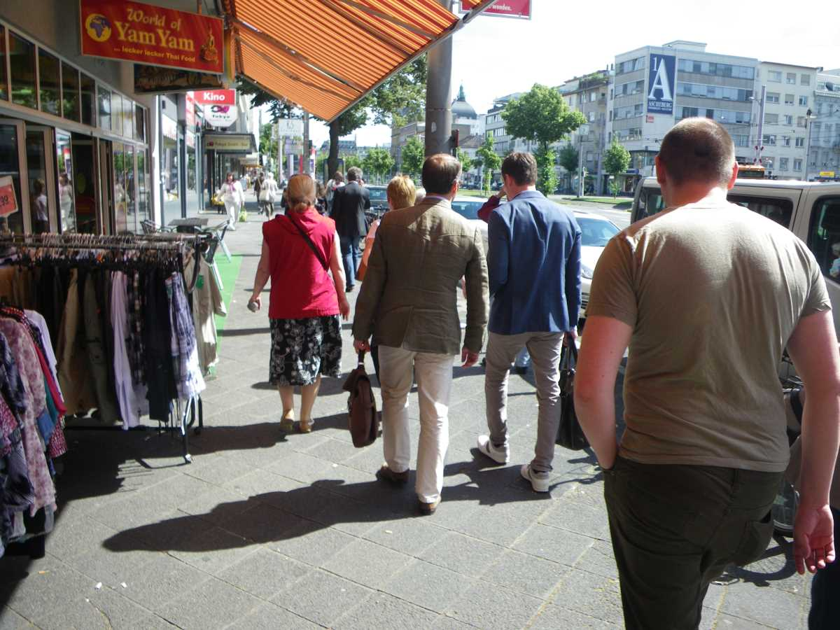 Two Jehovah's Witnesses on the run in Mannheim