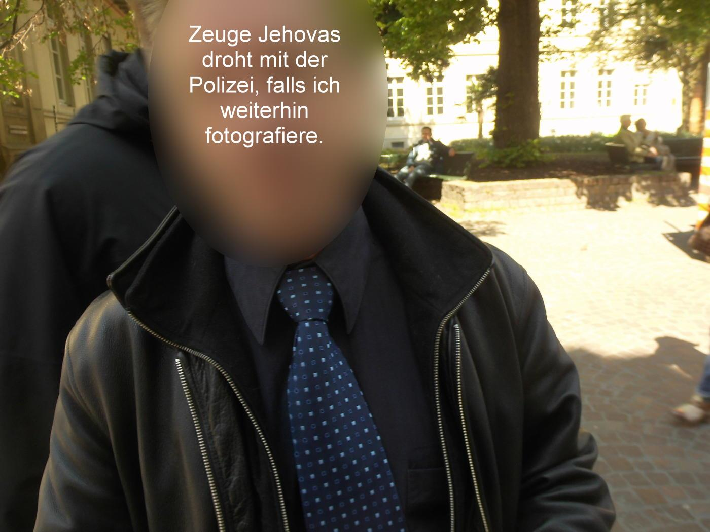 Can Jehovah's Witnesses be photographed?