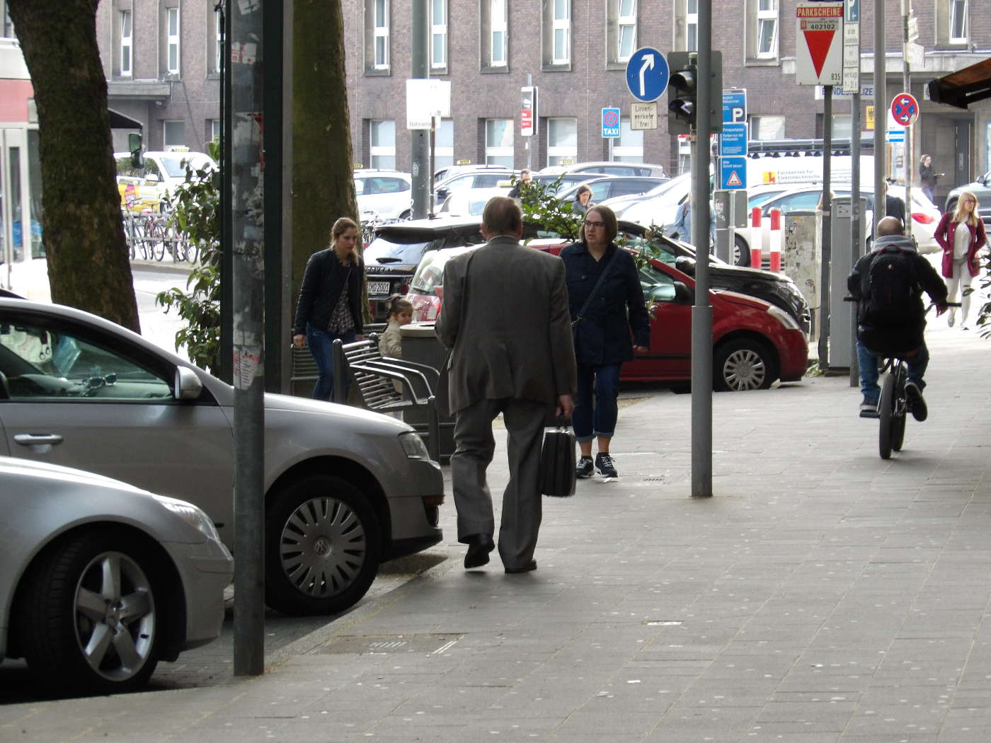 Jehovah's Witness in Duesseldorf - Religion with tie and collar