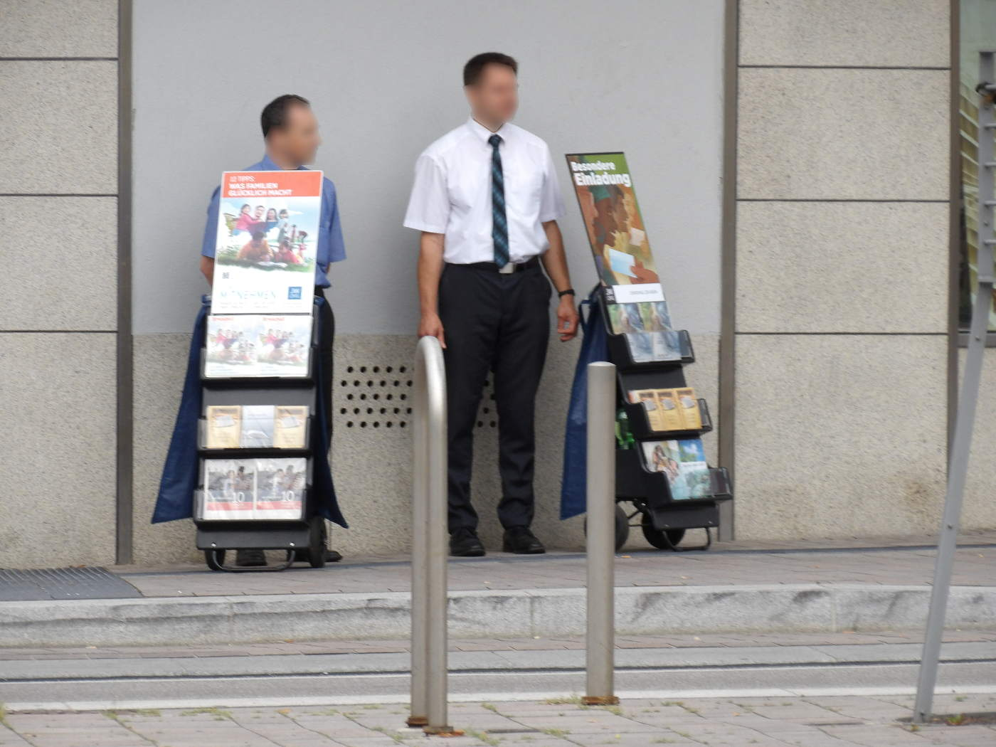 Walldorf: Jehovah's Witnesses Command