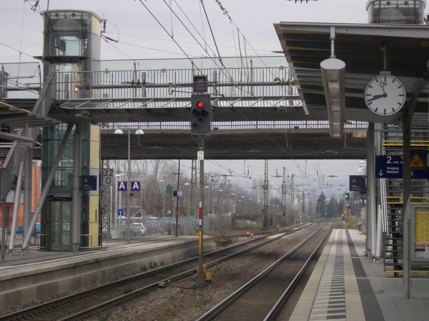 Jehovah's Witnesses like to stand at Walldorf-Wiesloch station