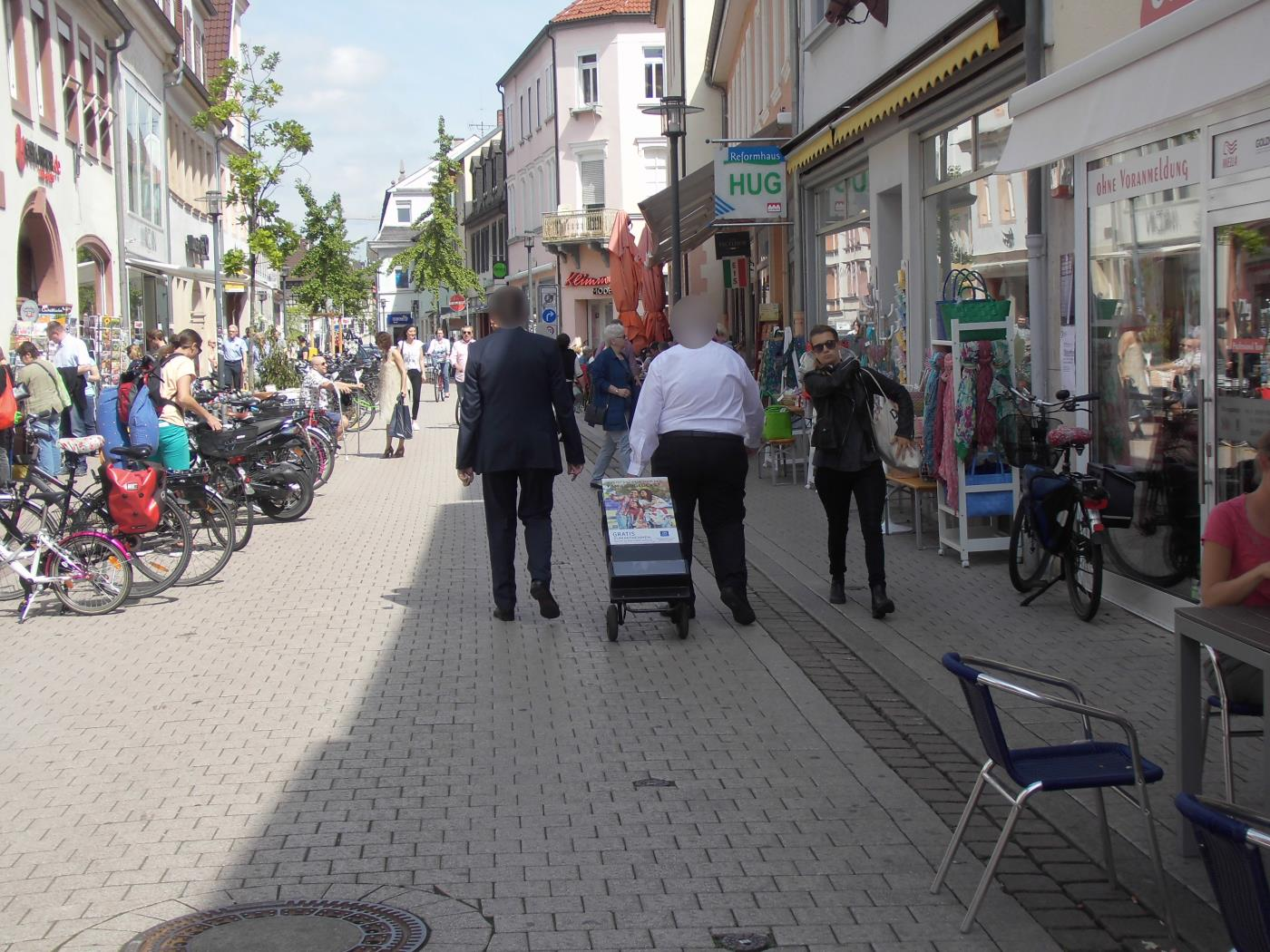 Flea market in Speyer and Jehovah's Witnesses with ancient literature