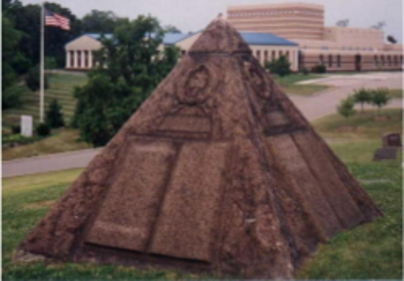 Pyramid Tomb Charles Taze Russell